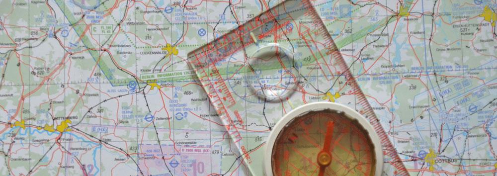 Flugkarte mit Kompass,
